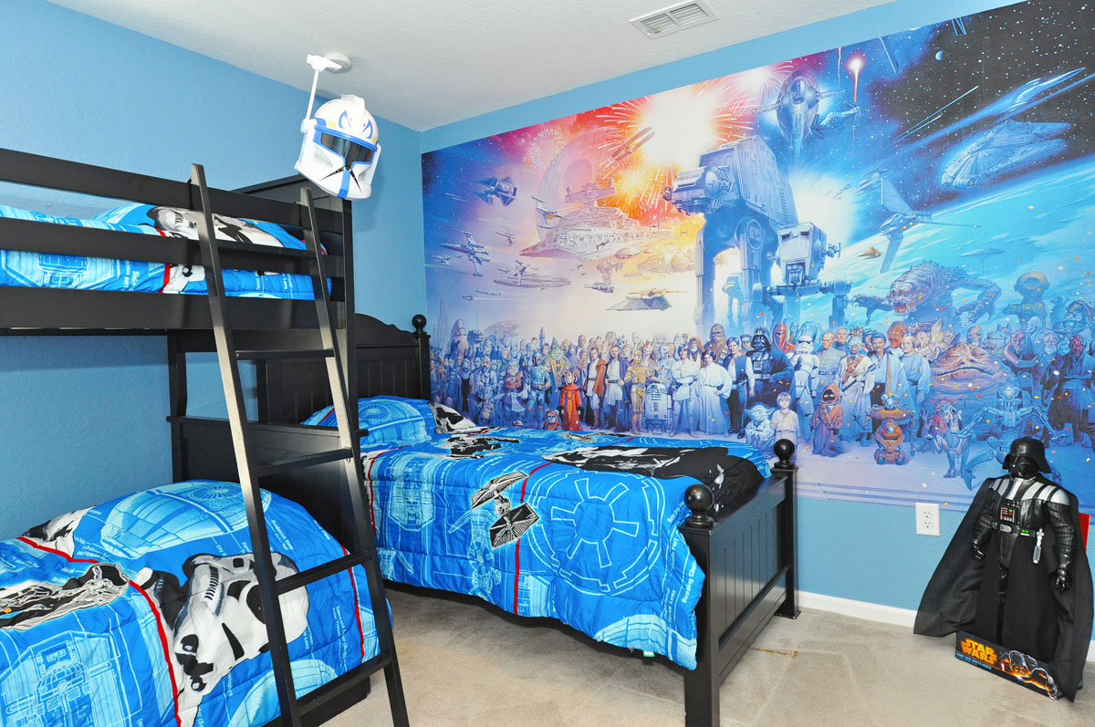 Star Warswallpaper is a quick and effective way to get your kids bedroom set up on the Star Wars theme they've always wanted.